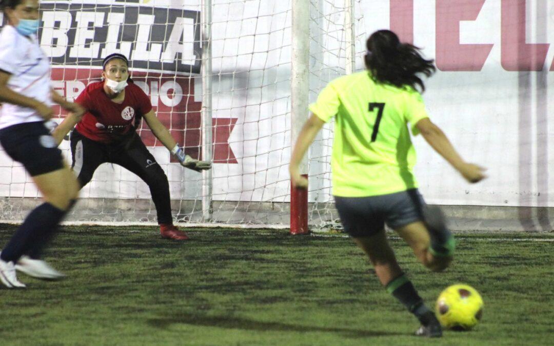 """Regatas do Flamengo las """"reinas"""" del fútbol 7 nocturno"""